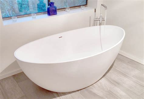 luxury bathtubs freestanding 5 benefits of a luxury freestanding bathtub badeloft usa