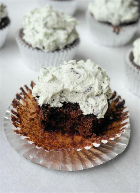 mini kuchen backen cupcakes backen 30 klassische ideen f 252 r wundersch 246 ne und