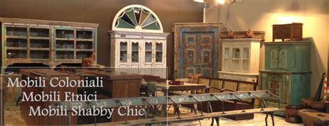 mobili coloniali etnici  shabby chic arredamento