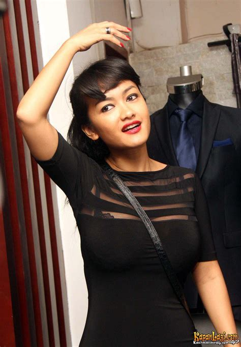 video jupe mandi foto foto fitting baju gaston castano ditemani julia perez