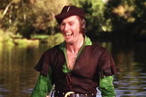 robin hood errol flynn free errol flynn as robin hood gifs matthew s island of
