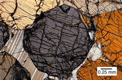 hypersthene in thin section hypersthene