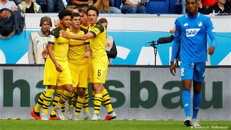 christian pulisic vs hoffenheim bundesliga christian pulisic rescues 10 man borussia