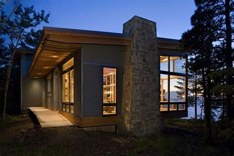 the eagle harbor cabin by finne architects corner