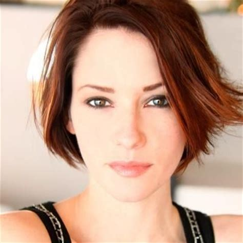 chyler leigh short hairstyles best short pixie haircut for fine 10 best chyler leigh supergirl images on pinterest short
