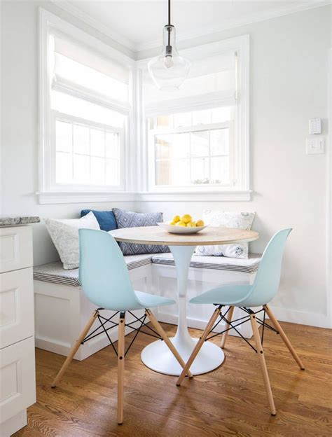 breakfast nook with chairs and corner bench