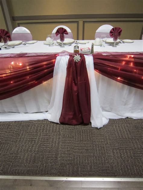 Maroon Decorating Ideas by Burgundy Wedding Decorations Set The Mood Decor