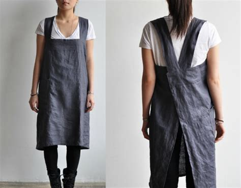Asian Style Kitchen Design by Easy To Make Back Cross Strap Apron The Daily Sew