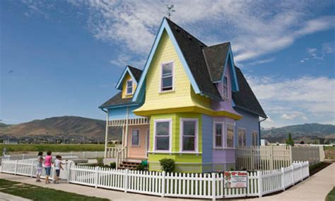 up the movie house moving on up pixar inspired house sells for 400 000