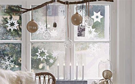 Decoratie Takken Voor Het Raam by 10 Ideetjes Om Je Ramen Te Versieren Voor Kerst