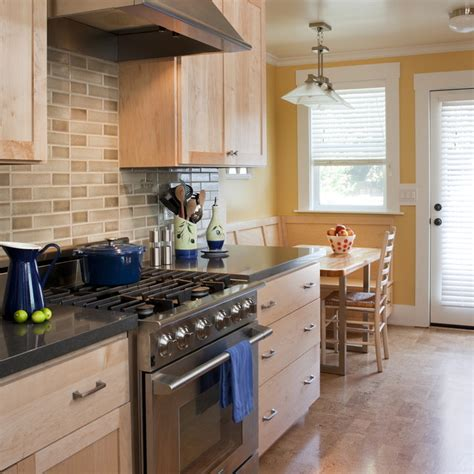 10 Bold Black Kitchen bold black quartz countertops as the top of cabinets and
