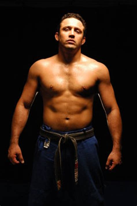 the gracies are back renzo gracie signs with the ufc