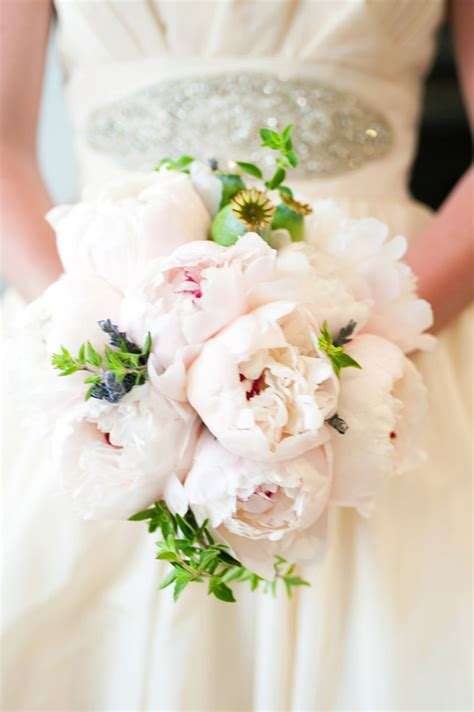 Peonies Bouquet | wedding trends peony bouquets part 1 belle the