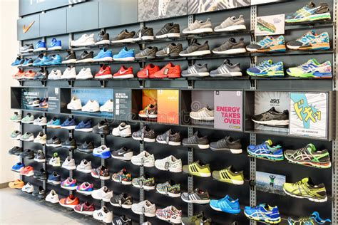 running shoe store nyc nike running shoes for sale in nike shoe store display