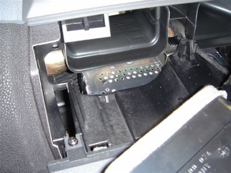 installing aux input in a bmw x3 xoutpost