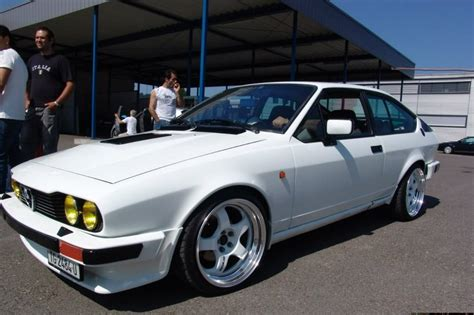 Alfa Romeo on Work Meisters: Italian sports coupe meets Japanese wheel