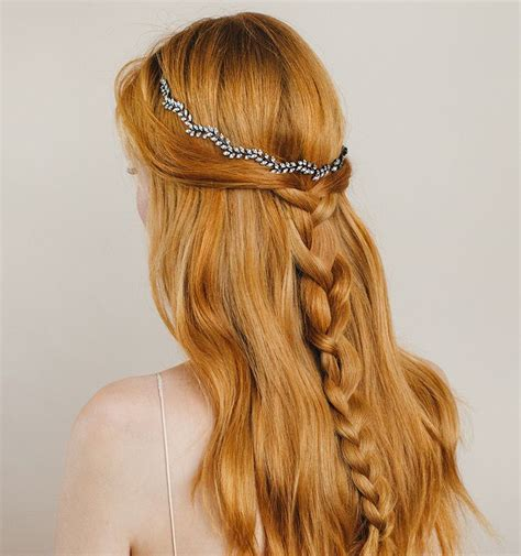 casual hairstyles with accessories 1000 images about wedding headpieces by jennifer behr on