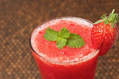 strawberry recipe vitamix strawberry daiquiri recipe for a vitamix or