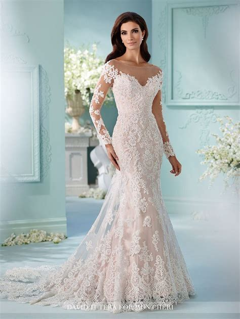 17 Best ideas about Fitted Wedding Dresses on Pinterest