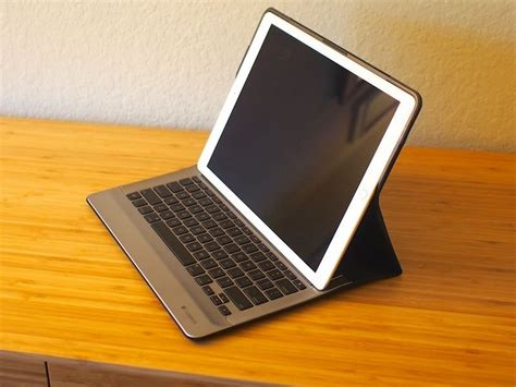 logitech create review excellent keyboard   ipad pro bulky  heavy mac rumors