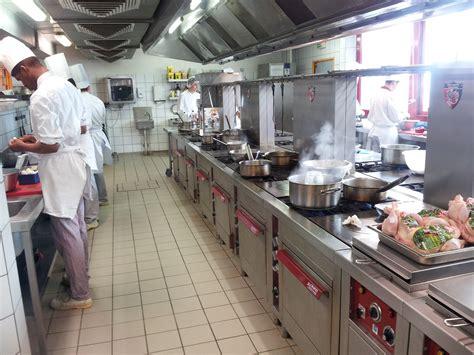 pro en cuisine mobilier table pro en cuisine