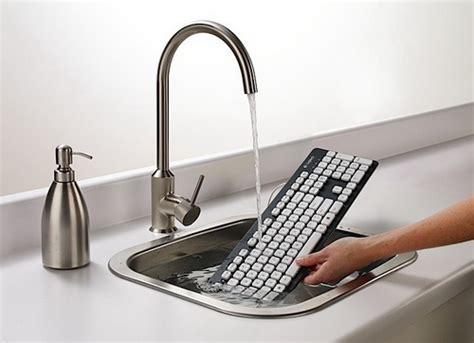 Logitech Washable Keyboard K310 logitech k310 225 ll 243 moshat 243 billenty絮zet prohardver beviteli eszk 246 z h 237 r