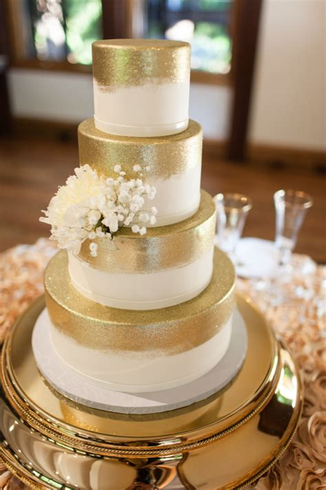 Golden Wedding Cakes by Wedding Inspiration Golden Glow Pretty Happy
