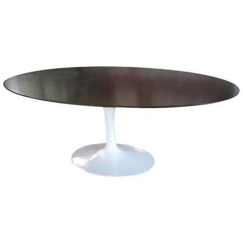 oval tulip dining table by eero saarinen for knoll at 1stdibs