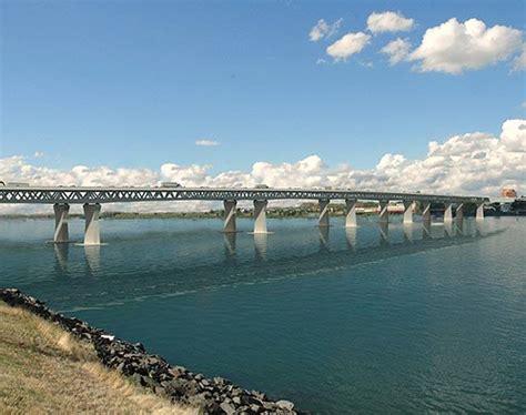 a bridge above an of doubt a memoir books oregon s treasurer casts doubt on i 5 bridge tolling plan