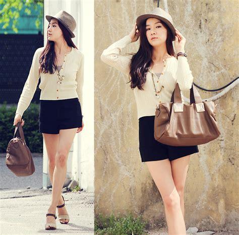 Becky Korean Bag becky baek brown fedora basic mini cardigan square bag