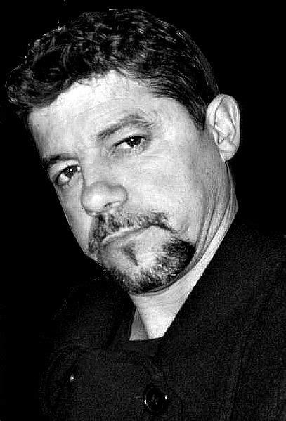 Nota do Autor | Familia e amigos, Poeta e Biografia
