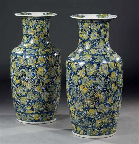vasi cinesi grandi coppia di grandi vasi a balaustra in porcellana cinese