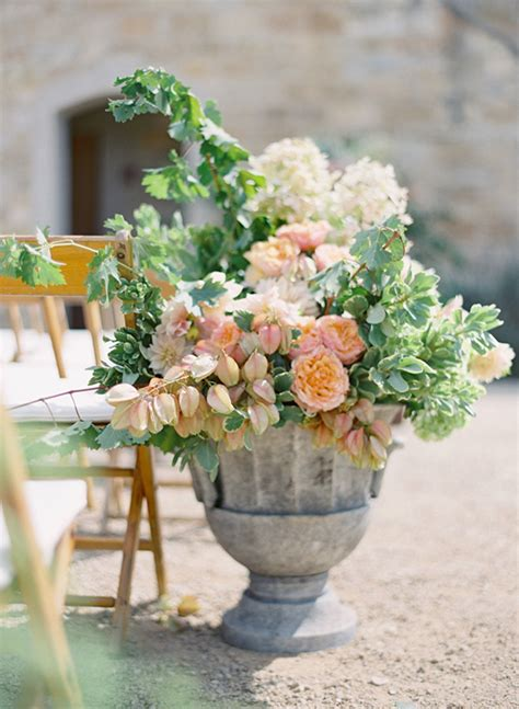 Flower Arrangements For Weddings by 10 Worthy Flower Arrangements For Your Wedding