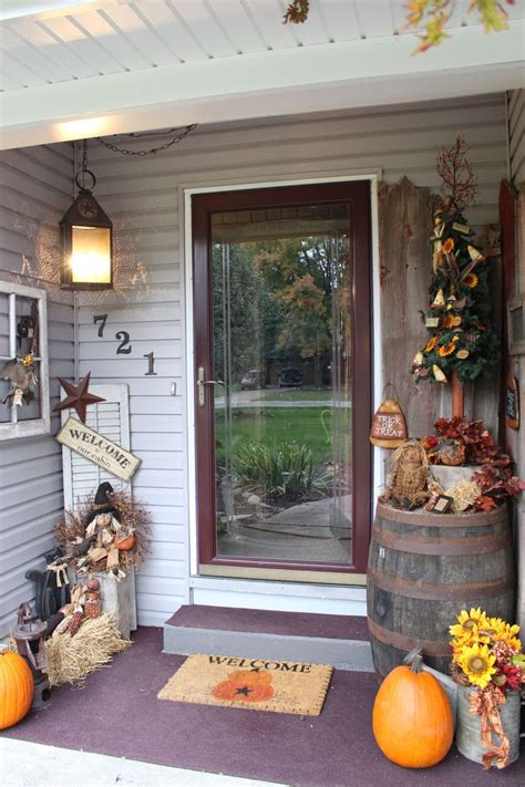 Primitive Outdoor Decor by Primitive Decor This Is Front Porch Fall Decorating