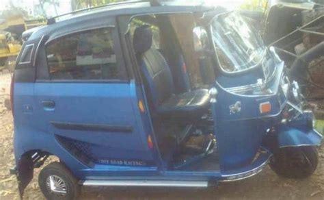 kerala based auto driver modifies  rickshaw  resemble