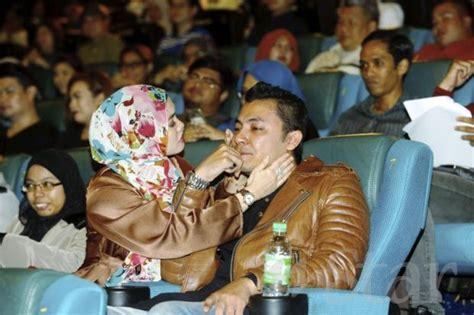 film cinta rahim razali syamsul yusof menangis pada tayangan munafik berita