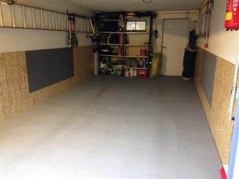 kunststoff fliesen garage pvc garagenboden mit klicksystem aus fliesen platten pvc