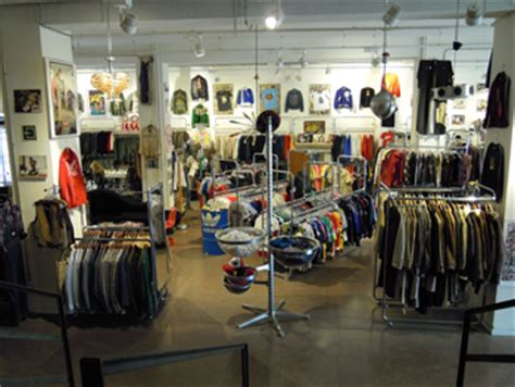design clothes barcelona vintage and second hand shops in barcelona