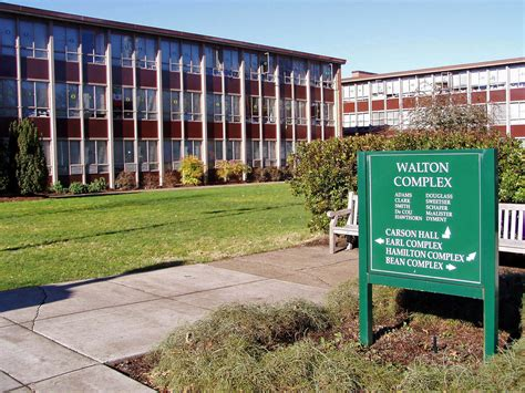 Apartments In Eugene Oregon Near Uo Walton Complex Of Dorms On The Of Oregon Cus