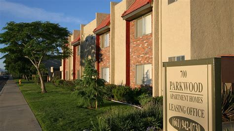 lancaster appartments apartments in lancaster ca parkwood apartment homes