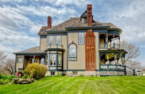 house plans that look like old houses pretty 114 years old victorian house digsdigs