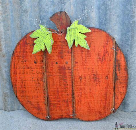 Rustic Pallet Pumpkin ~ Her Tool Belt guest post   onekriegerchick