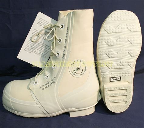 mens mickey mouse boots bata white mickey mouse bunny boots 30 176 cold