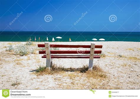 bench on the beach bench on the beach royalty free stock photography image 20459577