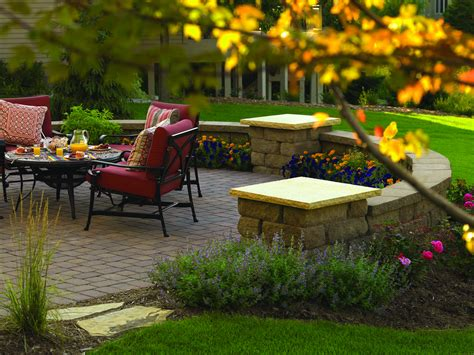 Garden Patio Walls Design Great Pictures Of Landscaping Design For Retaining
