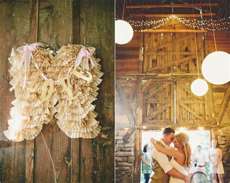 Southern Barn Wedding At Vive Le Ranch   Rustic Wedding Chic