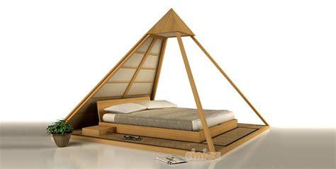 le giapponesi a letto letto cheope di cinius con baldacchino con punto luce e
