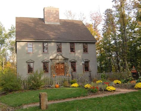early new england primitive exterior house colors joy hydrangeas colonial and exterior colors on pinterest