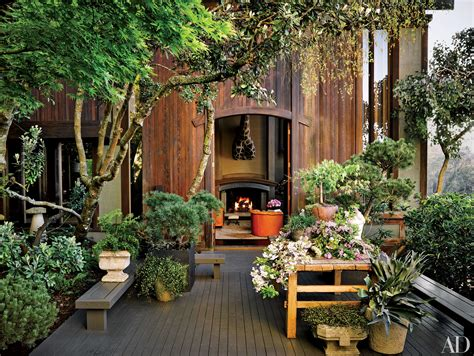 38 beautifully landscaped home gardens photos architectural digest