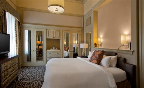 Rooms To Go Houston Locations by Hotel Icon Autograph Collection